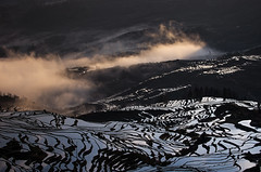Yuanyang County  Duoyishu Terraced Field (14) () Tags: yuanyangcounty  yunnan china   sunrise   duoyishuterracedfield    pentax k5