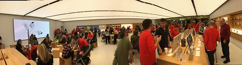 New Apple Store in OKC by Wesley Fryer, on Flickr