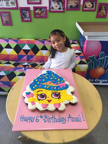 345-polkatots cupcake cakes