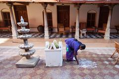Rangoli time (Scalino) Tags: chettinad india inde trip travel tamilnadu south rangoli courtyard woman drawing patterns