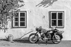 Sentimental Journey (Inky-NL) Tags: 2016 d750 ingridsiemons2016 nikon nikond750 fx tamron2470mm tamronsp2470mmf28divcusd bw blackandwhite austria oostenrijk journey transport transportation old oldtown brommer moped hallstatt street puch bike motorbike classic nostalgie