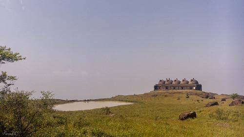 Approaching Navlakha Kothar