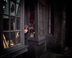 Small Witch at Diagon Alley (yulia.starostina) Tags: magic harrypotter universalstudios universalorlando hogwards wizardingworld universalmoments yuliastarostina yuliastarostinaphotography