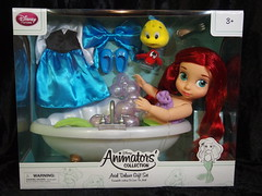 Disney Ariel Deluxe Gift Set (sh0pi) Tags: ariel set doll sebastian little deluxe disney gift bathtub badewanne mermaid disneystore flounder puppe arielle puppen kleine animators 2015 fabius meerjungfrau geschenkset