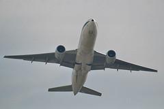 Alitalia Boeing 777-243/ER I-DISA (Kambui) Tags: airplane milano airplanes alitalia aviones avions flugzeuge mailand  avies aeroplani kambui