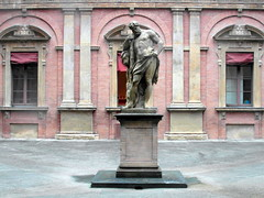 bologna university (kexi) Tags: bologna bolonia italy europe university statue monument old bricks ancient red samsung wb690 october 2015 symmetry courtyard instantfave