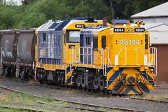 Stabled (PJ Reading) Tags: yard rural train clyde gm pacific wheat grain rail railway cargo national freight bulk parkes alco stabled 81class 48class