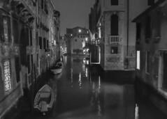 notte (conteluigi66) Tags: bw bn ponte luci acqua venezia canale palazzi baeche luigiconte