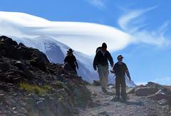 Coming around the Bend (Sotosoroto) Tags: dayhike hiking mtrainier burroughsmountain cascades mountains washington