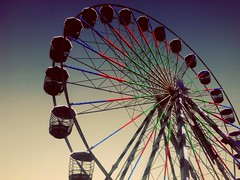 giant wheel (youniquepic) Tags: giantwheel dusk rodagigante wheel degrade sunset