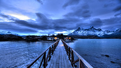 Blue temptation (Saint-Exupery) Tags: chile patagonia lagopehoe pehoe lago lake nikon horaazul bluehour