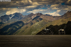 DSC03623 (uli biggemann) Tags: kaunertalergletscher ducati monster triumph speedtriple