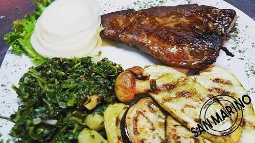 Petak večer, ma šta to reče?! ☺ Roštilj ili riba vama na izbor! Mi smo tu da vam ispunimo sve želje! 👌 Dobro došli u #sanmarinočapljina #ministarstvoDobreHrane #mjesnazajednicaZapadnjak #sunshinestate 😎  #tunasteak Jeste li ga već oprob