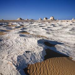 White desert, Egypt (pas le matin) Tags: sand sable outdoor desert travel voyage paysage landscape square world dry sahara sandstone limestone texture sky blue ciel bleu egypt gypte afrique africa canon 7d canon7d canoneos7d eos7d