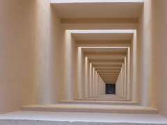 Quadratnel (Jnio Klo #9) Tags: luz sombra prdio obra fosso tnel quadrados