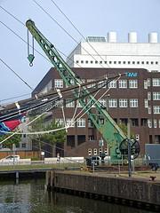 Bremerhaven, Hafenkran (RainerV) Tags: germany geotagged osm bremen hafen deu bremerhaven 3002 1508 openstreetmap hafenkran geo:lat=5354011600 geo:lon=857822362