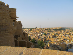 "Fort de Jaisalmer <a style=""margin-left:10px; font-size:0.8em;"" href=""http://www.flickr.com/photos/127723101@N04/21765092954/"" target=""_blank"">@flickr</a>"