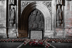 We Will Remember Them (Ian Redding) Tags: bath bathabbey city forthefallen remembrance somerset uk wewillrememberthem cross dead memorial mourning national poem poppies public remembering soldiers war