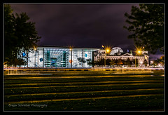 DSC_0160 (Gregor Schreiber Photography) Tags: berlin festivaloflights 2016 nacht night haupstadt lights langzeitaufnahmen nachtaufnahmen lightning lichtspuren festival lichtkunst