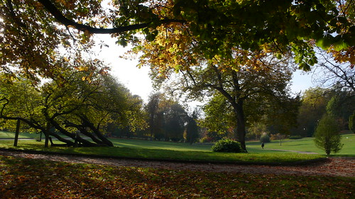 Oissel Le parc municipal du château de la Marquise