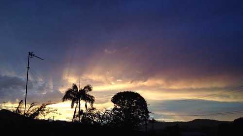 """Clear air after the """"storm"""" #bom #nostorm #bomgetsitwrongagain #sunset"""