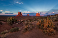 Sunset in Monument Valley (luke.switzerland) Tags: monument valley utah states usa sunset colors landscape nature travel desert nikon d810