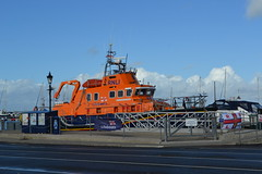 RNLI Lifeboat (Will Swain) Tags: 14th october 2016 beer walks isle wight yarmouth weekend south southern bus buses transport travel uk britain vehicle vehicles county country england english rnli lifeboat boats boat
