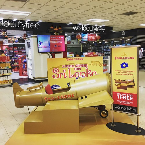 """Come #fly with me. Let's fly away""  #toblerone #bandaranayakeinternationalairport #csnapcolombo #cinnamoncityhotels @csnapcolombo"
