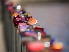 Unchain my heart (katrin glaesmann) Tags: lovelocks lovepadlocks liebesschlsser maschsee hannover gelnder railing colours sunshine bokeh
