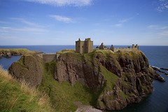Dunnottar Castle (chris.ph) Tags: dunnottarcastle scotland stonehaven northsea ruins landscape cliff architecture history canon6d ef24105mmf4lisusm
