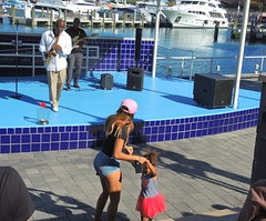 USA (Florida-Miami) Little girl dancing with jazz music at Bayside district (ustung) Tags: miami bayside us florida dance dancing jazz music concert city street streetlife candid nikon