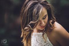 """""""a volte le parole non bastano e allora servono i colori, e le forme, e le note, e le emozioni."""" (baricco) (veronicaraciti) Tags: verde veronicaracitiphoto sicilia catania book bosco boscoincantato girl fotografia fotoarte artphotography taormina ritratto portrait"""