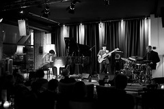 Falk Bonitz Trio (UEiserPhotography) Tags: zigzag jazz club falkbonitztrio sigma 35mm canon 6d f14