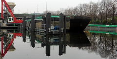 barge (patrick2211(ex Drozd1)) Tags: ourcq canal reflets