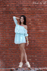 (SU QING YUAN) Tags: model beauty beautiful pretty portait young girl female skirt leg face red a99 135za sonnart18135 zeiss