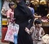 HL8A1807 (deepchi1) Tags: india muslim hijab bombay mumbai niqab