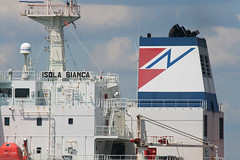 ISOLA BIANCA - FINAVAL - in New Jersey, USA. August, 2015 (Tom Turner - SeaTeamImages / AirTeamImages) Tags: nyc usa newyork water colors port island harbor newjersey marine ship unitedstates harbour vessel spot stack pony maritime transportation statenisland brand bigapple channel bayonne tanker spotting funnel staten waterway gardenstate livery kvk tomturner isolabianca killvankull finaval