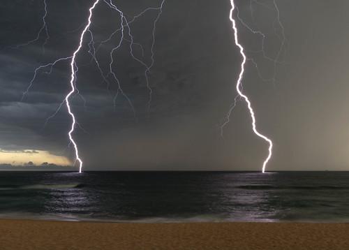 Merewether Lightning