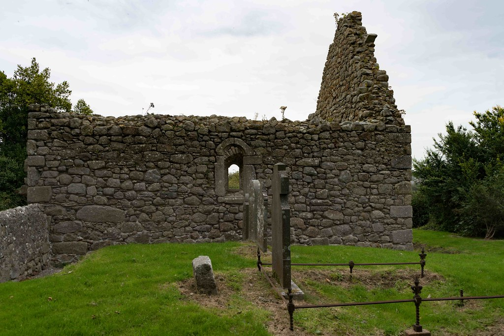 TULLY CHURCH AND THE LAUGHANSTOWN CROSSES [SEPTEMBER 2015] REF-108602