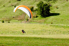 2015 09 27 Parapante-10 (https://www.facebook.com/Bertrandphoto) Tags: camera france photographer view altitude m paragliding auvergne puymary cantal 24105l parapante canon6d leclaux