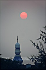 A Lahori Sunset - sad & tired for the hardship of the whole day but hopeful for a bright n better tomorrow (ShakAdder) Tags: sunset lahore homesweethome minarets masjidminar lahorievening