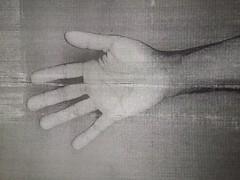 Hi5 (Maya Dusty) Tags: dusty blancoynegro hand maya samsung mano photocopy copia copy hi5 fotocopia givemefive damecinco mayadusty smg530h samsungsmg530h