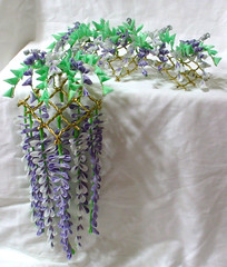 DSCF3634 (EruwaedhielElleth) Tags: flowers flower hair handmade fabric hana accessory tsumami kanzashi zaiku imlothmelui