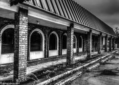 Abandoned Lynlee Hall (that_damn_duck) Tags: bw abandoned blackwhite unitedstates southcarolina decaying urbex urbanexplorer