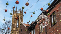 York Christmas decorations - 1 (nican45) Tags: christmas york tower church festival canon december market yorkshire decoration powershot allsaints 2015 coppergate allsaintspavement stnicholasfair sx700hs 04122015 4december2015