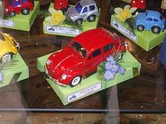 rot ... (bayernernst) Tags: 2007 september 20092007 snc11399 modellauto modell vw vwkäfer rot kontrast