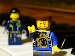 LEGO figurk a zongorn 2 (aronczegledi98) Tags: lego zong figura zongora