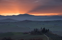 Sunrise on Fire (MrBlackSun +5 Million Views, thank youMillion) Tags: tuscany villa belvedere pienza valdorcia quirico sanquiricodorcia villabelvedere sanqurico