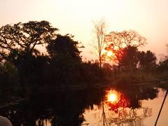 Ockavango Delta, Botswana - Sept 2016 (Keith.William.Rapley) Tags: ockavango ockavangodelta delta september2016 botswana rapley keithwilliamrapley sunset goldensunset water river