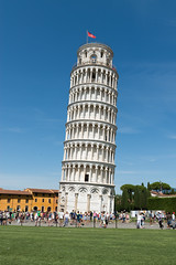 "Pisa - Campanile (""schiefer Turm von Pisa"") (CocoChantre) Tags: campanile fahne piazzadeimiracoli pisa schieferturmvonpisa toscana italien it"